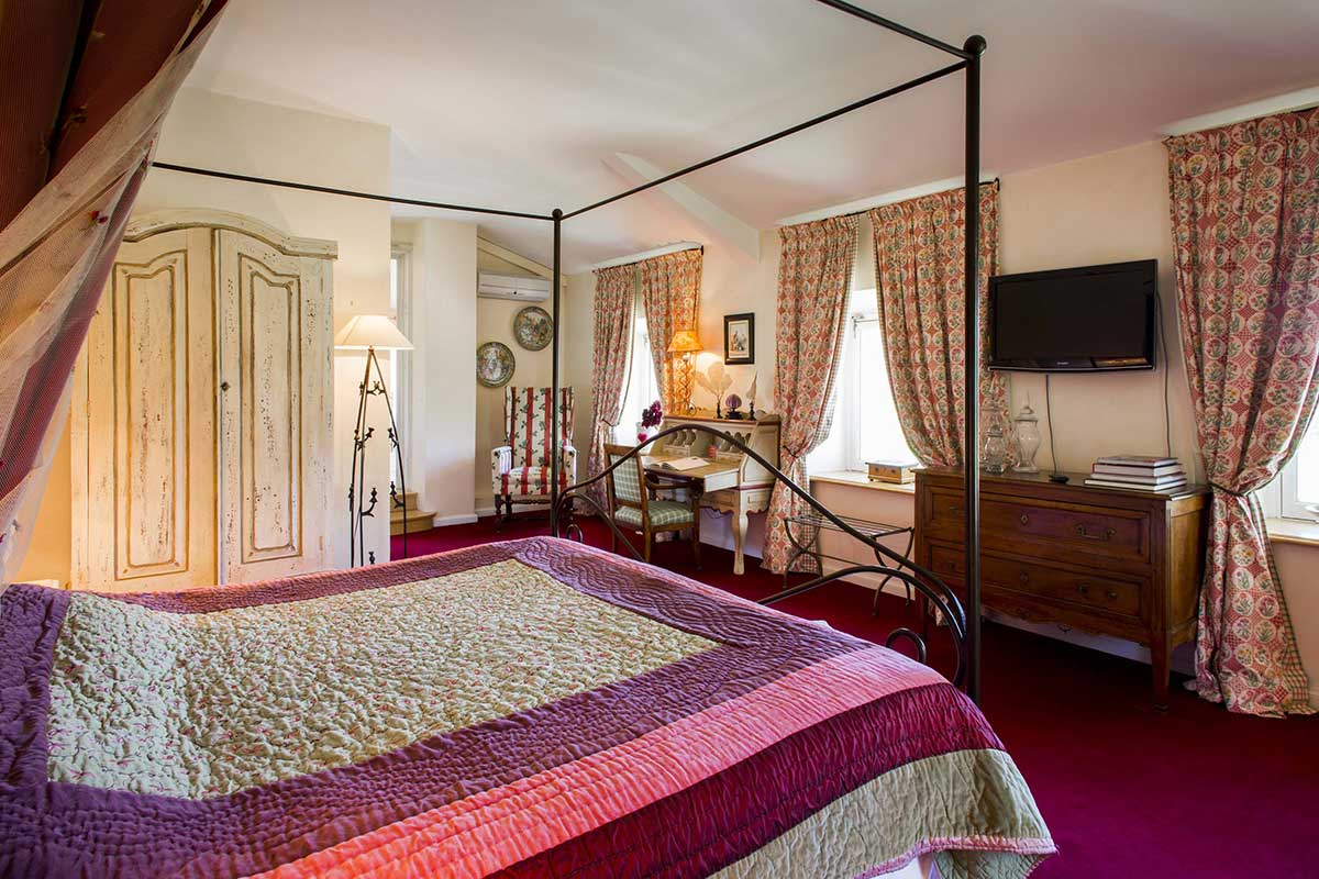 Cherry Room Chateau Talaud